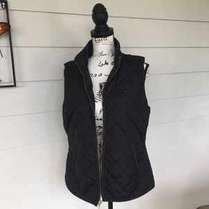 ⭐️ Old Navy Quilted Vest